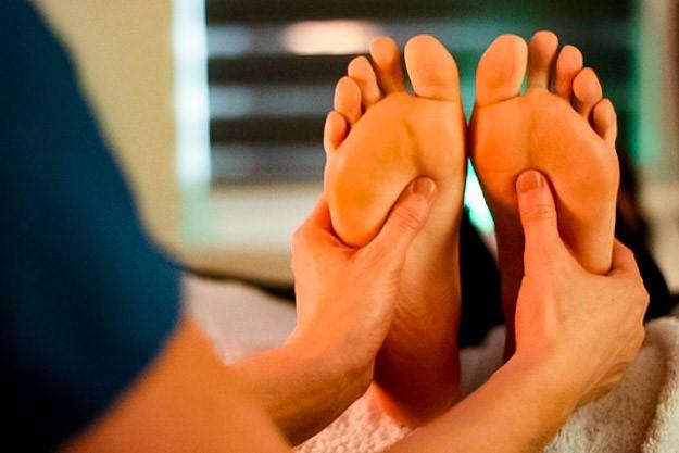 Salutary Reflexology Foot Aromatherapy Image 001